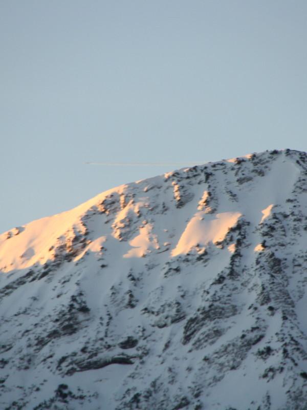 schneebedeckter Gipfel, zu bewundern vom Almbad Sillberghaus