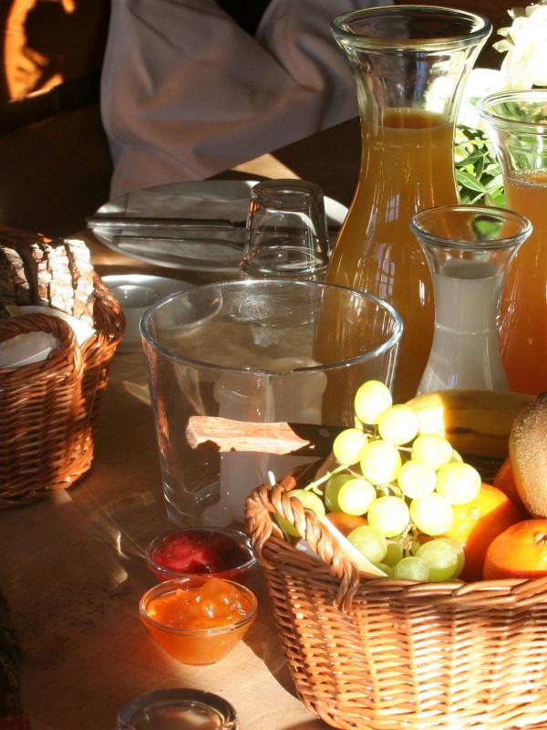 Gesunde Snacks und leichtes Mittagsmenü zur Stärkung zwischendurch (Foto: almbad.de)