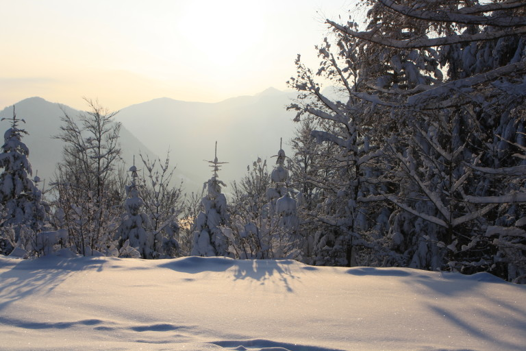 Wintersonne am Almbad Huberspitz