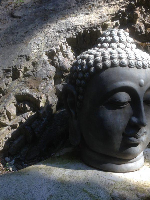 Budda-Kopf zur Dekoration im Dorfbad Tannermühl