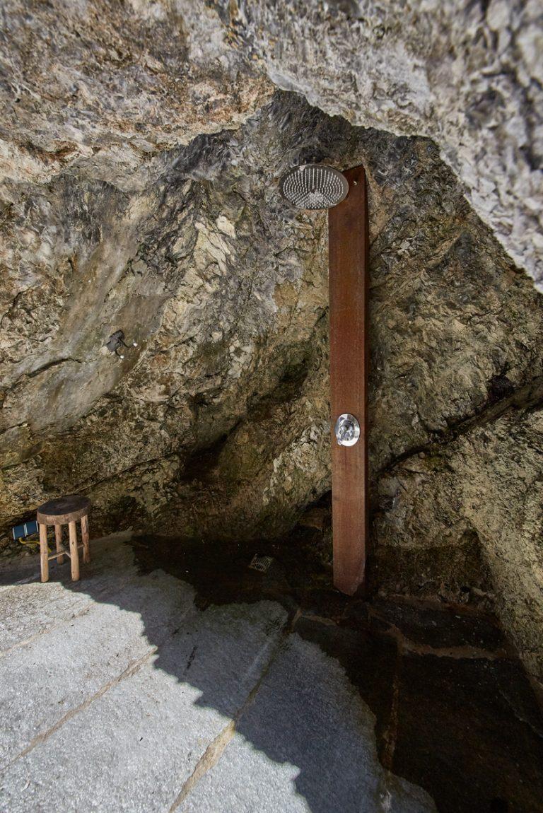 Dusche in der Felsgrotte des Dorfbad Tannermühl