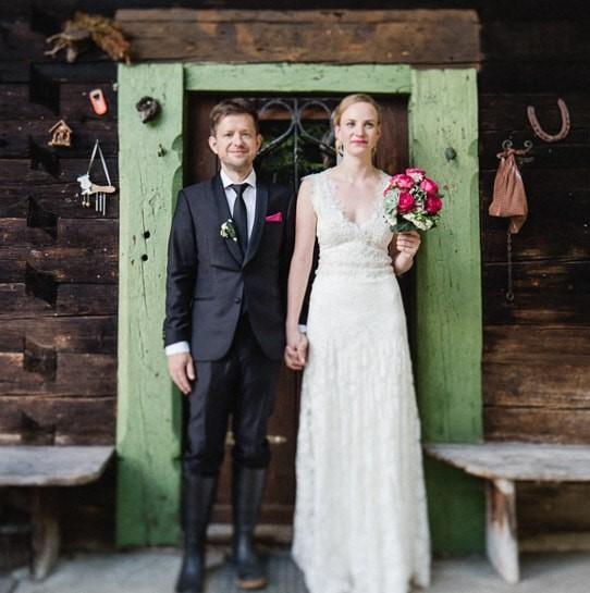 Brautpaar vor der Sillbergalm unweit vor dem Almbad Sillberghaus