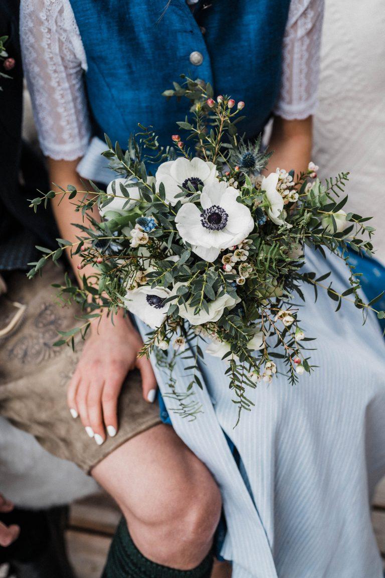 Almerischer Brautstrauß mit weißen Blüten