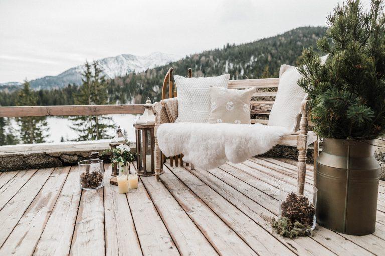 Das Liebesbankerl im Winter Wonderland inklusive Bergblick