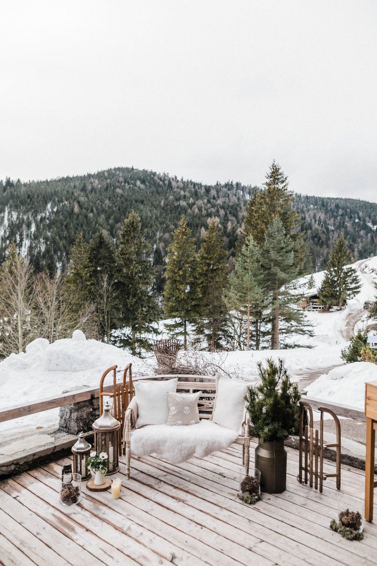 Die dekorierte Terrasse im Winter Wonderland