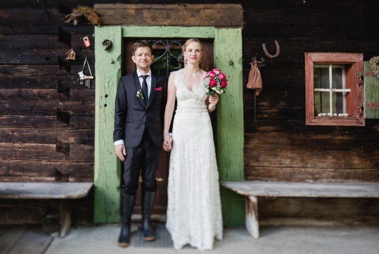 Foto-Shooting des Brautpaars vor der benachbarten Sillbergalm