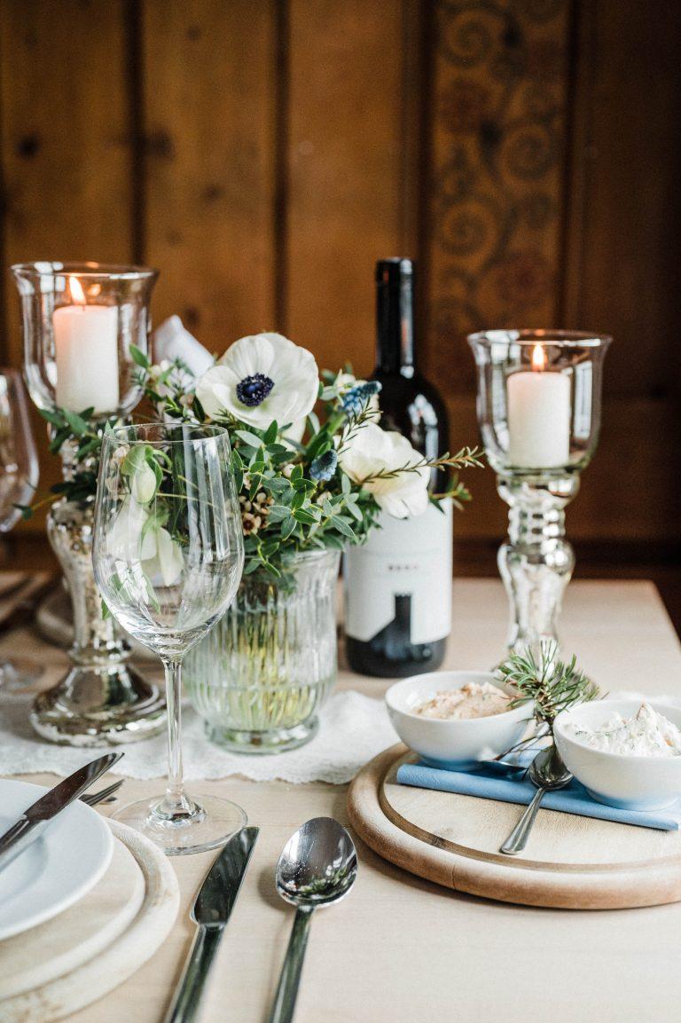 Hochzeitstafel dekoriert mit Dekopaket Klassik